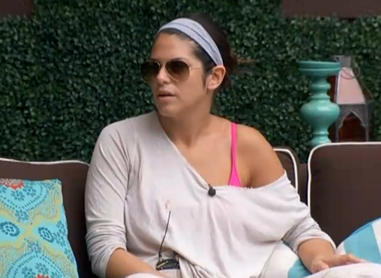 bb15-amanda-outside