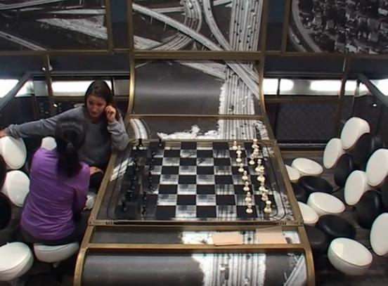 bb15-helen-jessie-chess